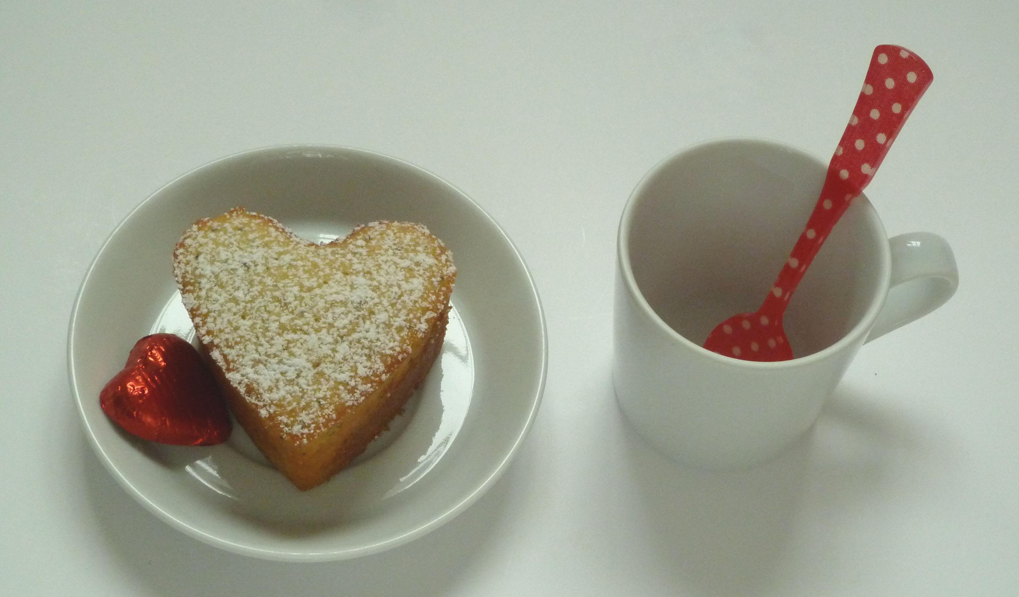Espressotasse mit Kuchen