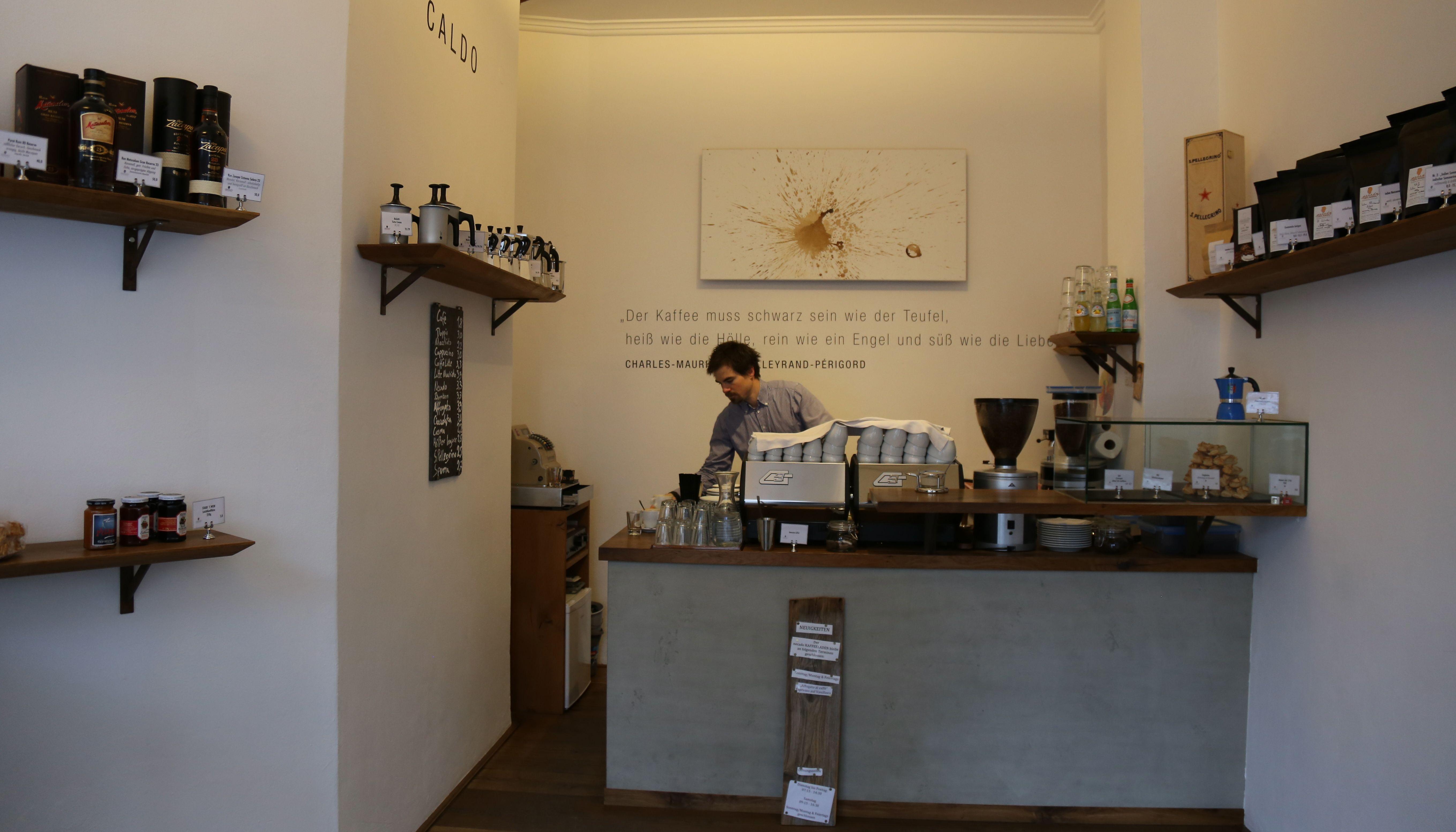 Gesamt-Café-Necado